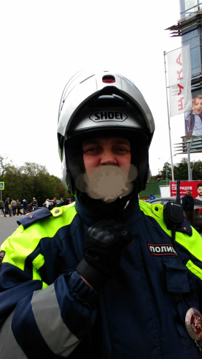 Фотография полицейского для публикации о противоправных действиях сотрудников ДПС, которые в результате деятельности настоящего проекта были привлечены к ответственности.