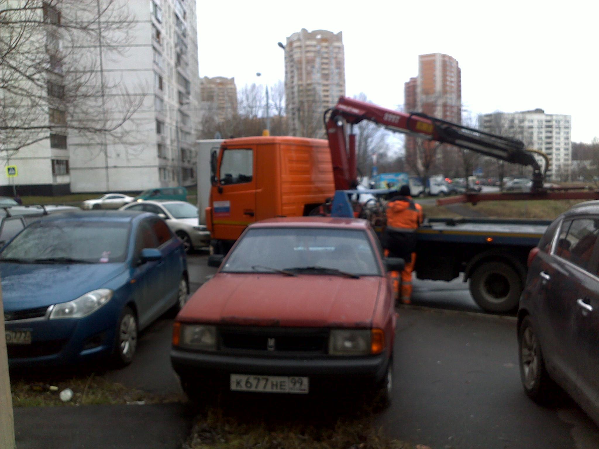 Фото-фиксация (фото 3) момента попытки должностных лиц правительства Москвы злоупотребления юридическими полномочиями.