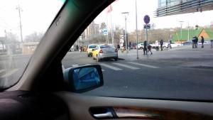 Фото-фиксация (фото 1) нарушений возле метро Щукинская со стороны водителей такси для обращения в связи с бездействием должностных лиц правительства Москвы содержащее требования привлечь их к юридической ответственности. Обращение также направлено в защиту прав потребителей услуг такси.