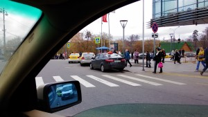 Фото-фиксация нарушений правил возле метро Щукинская. Фото 2. Сделанное в ходе мероприятий по защите прав потребителей услуг такси.