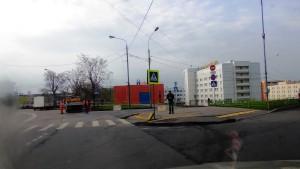 Фото 2. Процесс замены правительством Москвы хорошего бордюрного камня на новый, на лицо вероятные юридические схемы вывода денежных средств из бюджета Москвы.