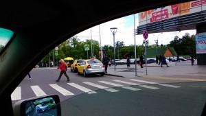 Фотография фиксирующая нарушение правил дорожного движения влекущее нарушение прав потребителей услуг пассажирских перевозок в режиме такси.
