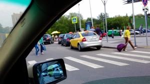 Очередная фото-фиксация систематических нарушений возле метро Щукинская. Фото 1, сделанная в рамках обращения в защиту прав потребителей услуг такси.