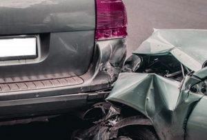 Если Ваш новый авто попал в аварию, то Вы в ряде случае можете рассчитывать на возмещение утраты товарной стоимости автомобиля
