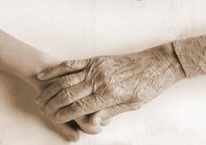 Доход внука в виде полученного от бабушки подарка не подлежит налогообложению